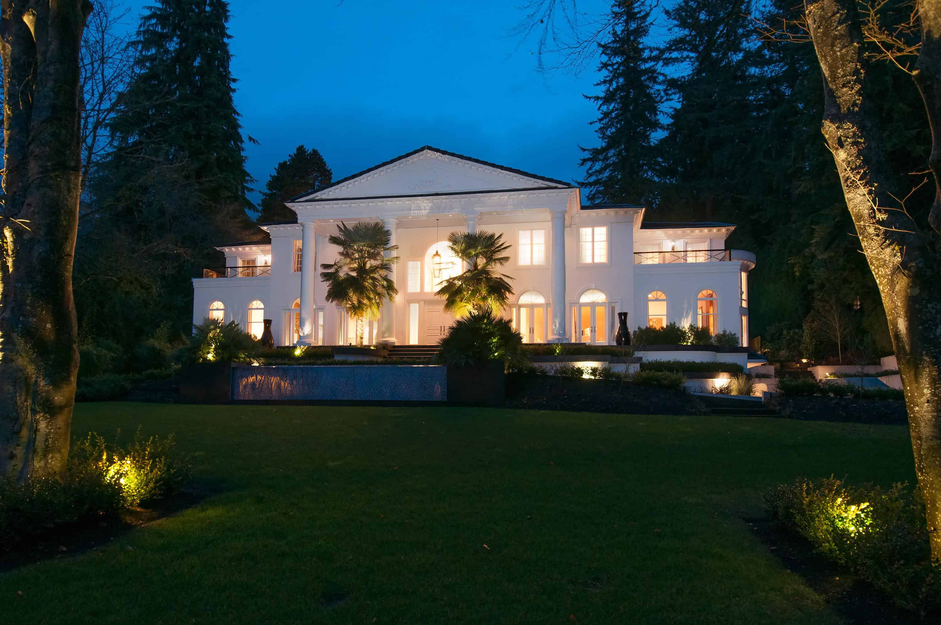 EcoLux☆Lifestyle: West Van's $22M 'White House' is Prime for Entertaining [PHOTOS/VIDEO]