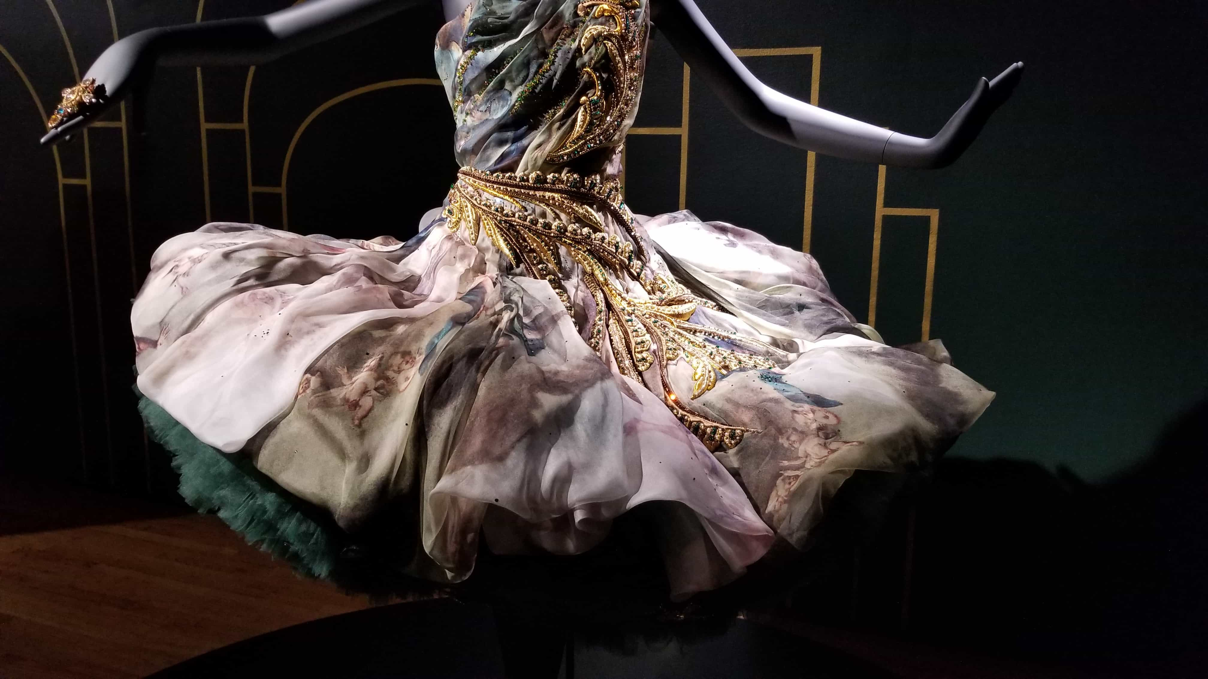 Helen Siwak, EcoLuxLuv, Couture Beyond, Guo Pei, VAG, Haute Couture, Exhibition, Vancouver, BC, Vancity, YVR, BC, luxury lifestyle, haute couture, couture designs, chinese couture