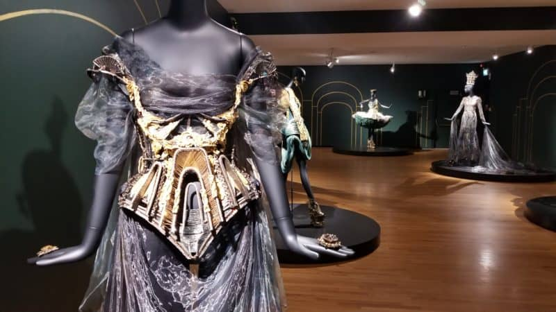 EcoLux☆Lifestyle: Couture Beyond: Close-up of the Genius of Guo Pei [PHOTOS]