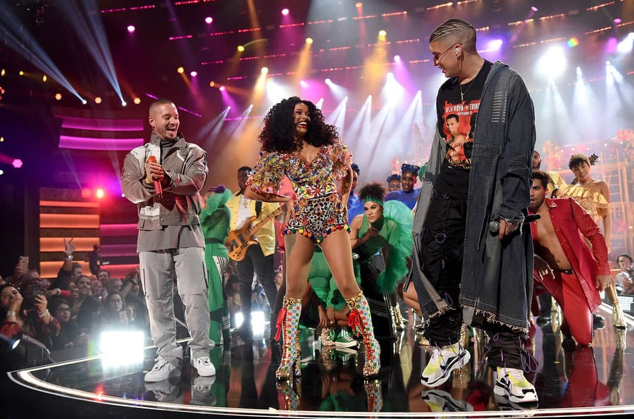 EcoLux☆Lifestyle: Fashion Friday: American Music Awards and the 80s Resurgence