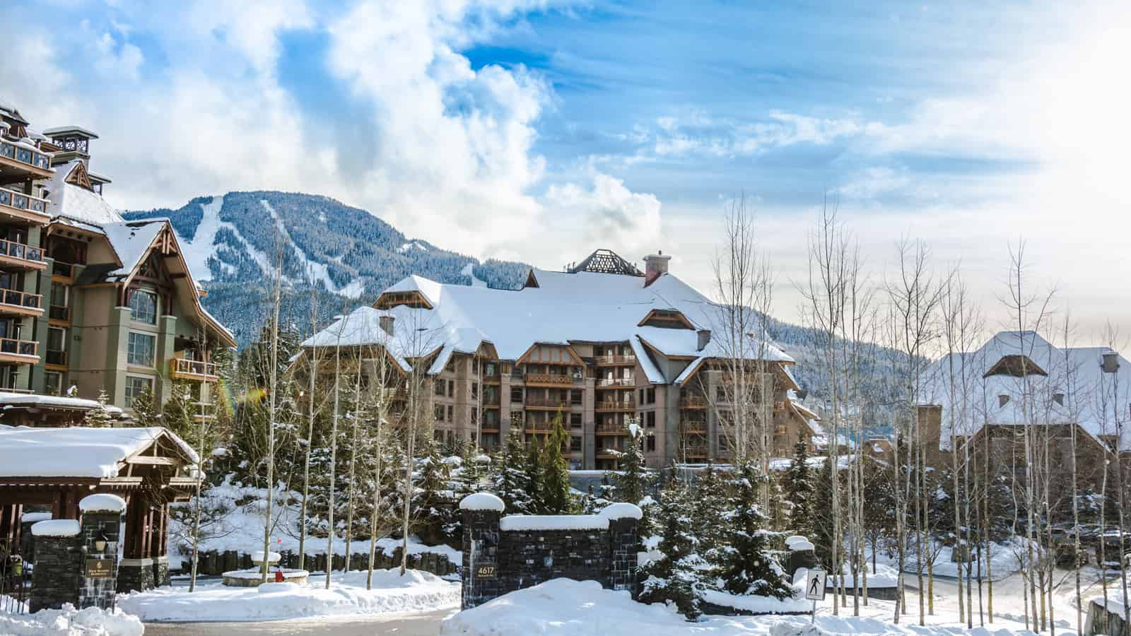 EcoLux☆Lifestyle: Four Seasons Whistler Modernizes the Classic Ski Lodge