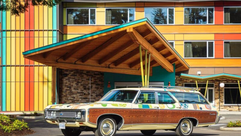 EcoLux☆Lifestyle: Hotel Zed Tofino Takes Retro Kitsch to a Whole New Level of Swank
